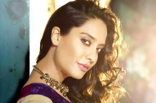 Lisa Haydon Biography, Age and Husband