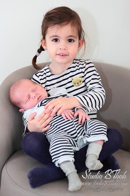 Photo bébé et grande soeur