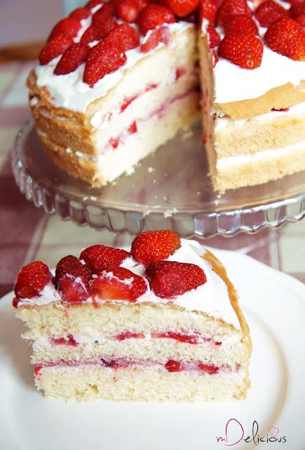 tort urodzinowy, tort na urodziny, tort dla mamy, tort truskawkowy, tort z truskawkami, przepis na tort, tort przepis, przepis na tort z truskawkami, truskawki, truskawki przepis, tort z kremem waniliowym, krem waniliowy, vanilla cream, strawberries, birthday cake,