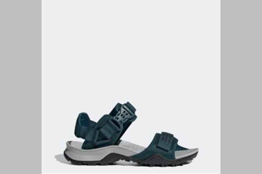 sandal gunung wanita merk adidas