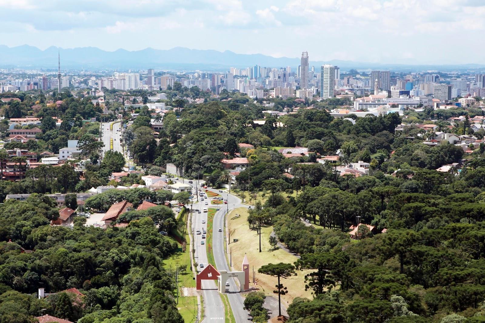 Shows com artistas nacionais e internacionais em Curitiba