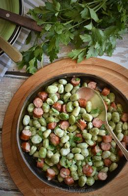 Bób z kiełbasą po brzostecku - kuchnia podkarpacka