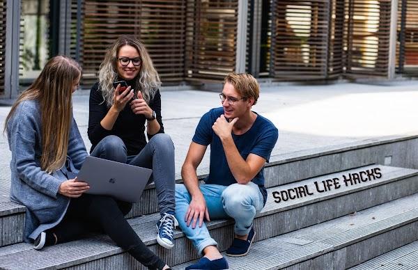 15 Smart Social Life Hacks That Actually Work