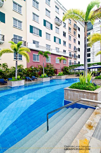 Marriott Manila Swimming Pool