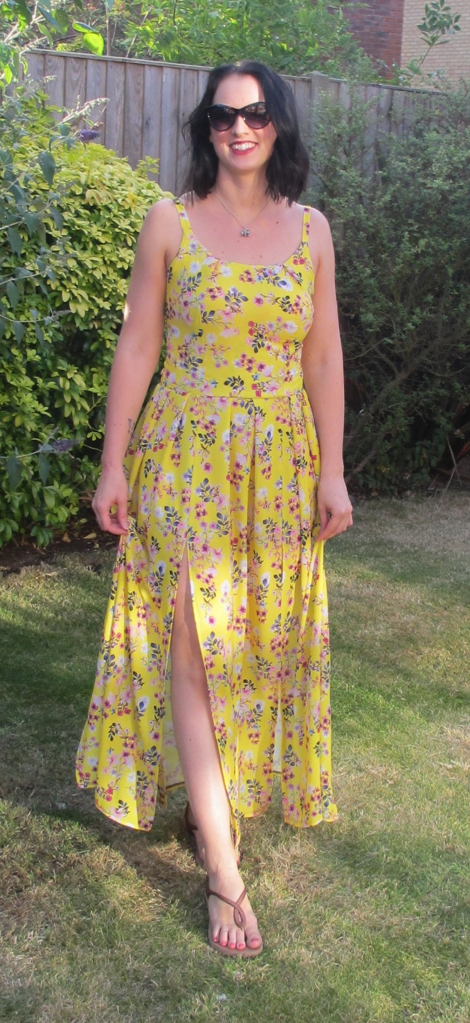 Crafty clyde serena maxi dress sewalong simple sew patterns firstly well start as normal by checking the packet for fabric and sizing its finished measurements that apply with these patterns jeuxipadfo Images