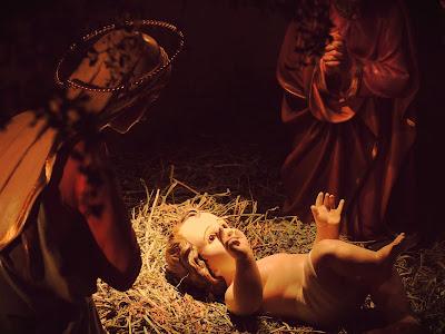 Imagem do Menino Jesus no presépio, foto, #1