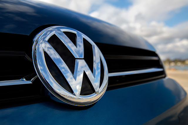 VW and U.S. dealers reach compensation pact