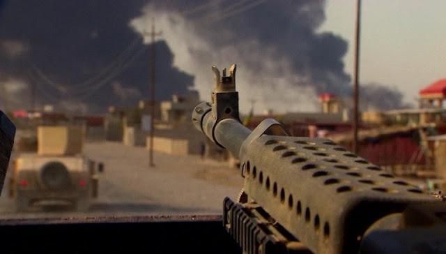 As forças iraquianas entraram em Mosul pela primeira vez em mais de dois anos, o Ministério da Defesa do Iraque disse, em uma operação para libertar a cidade-chave do controle do grupo militante