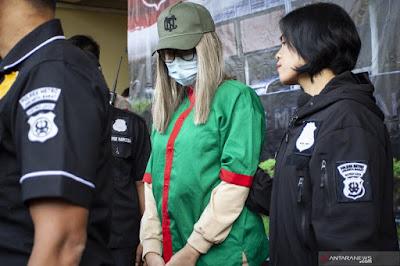 BLOGGER NEWS | Sempat Bingung, Polisi Akhirnya Tahan Lucinta Luna di Penjara Perempuan