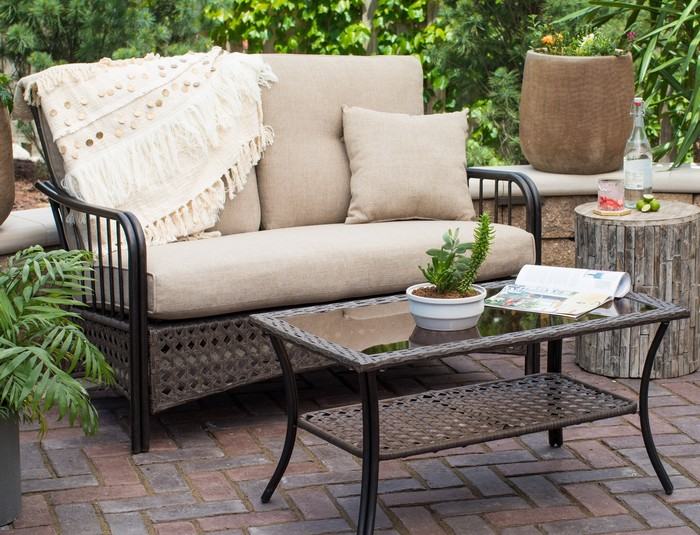 Locating Easy Plans Of What To Use To Clean Cloth Patio Furniture