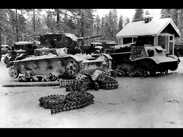1 January 1940 worldwartwo.filminspector.com Soviet tanks