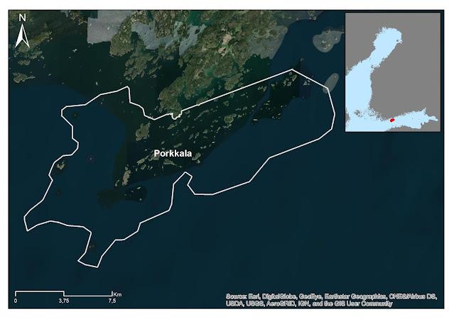 Ilmakuva, jossa valkoisella viivalla rajattu Porkkalan alue, joka on ekologisesti merkittävä meriluontoalue.