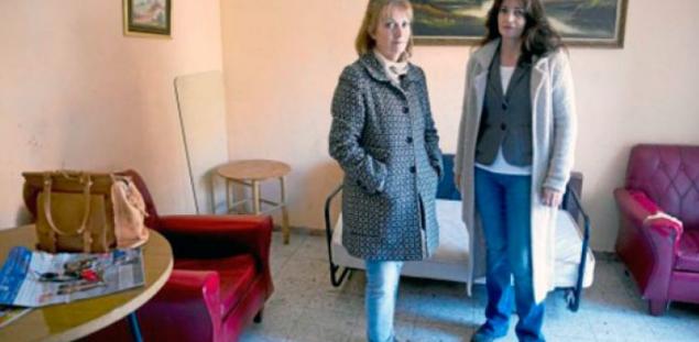 Los propietarios de un piso en madrid denunciados por los okupas marroqu es que hab an asaltado - Muebles marroquies en madrid ...