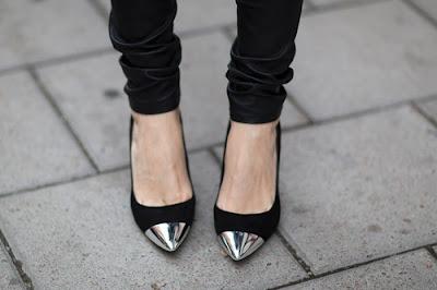 Zapatos de noche modernos
