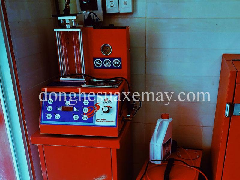 máy súc rửa kim phun của đài loan