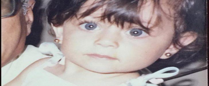 نجمة مشهورة تنشر صورة لها أثناء فترة الطفولة تشعل مواقع التواصل لن تصدق من هي !!