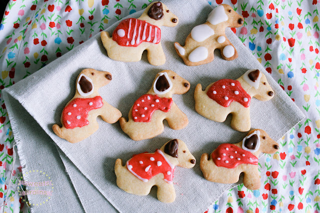 How to Make Puppy Cookies.
