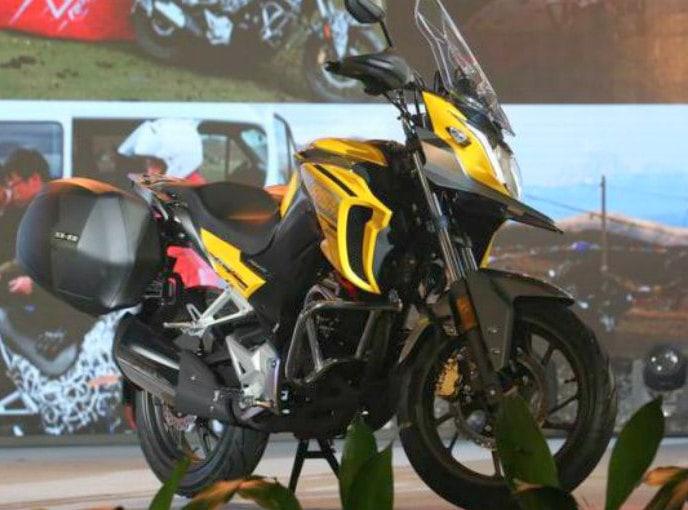 Andalkan mesin berkubikasi 184cc, ini penampakan Honda CB190X yang dirilis di China