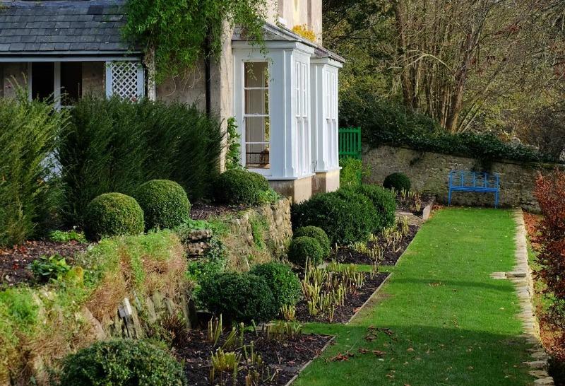 Borduras de piedra para jardin awesome como instalar un - Piedras para jardin baratas ...