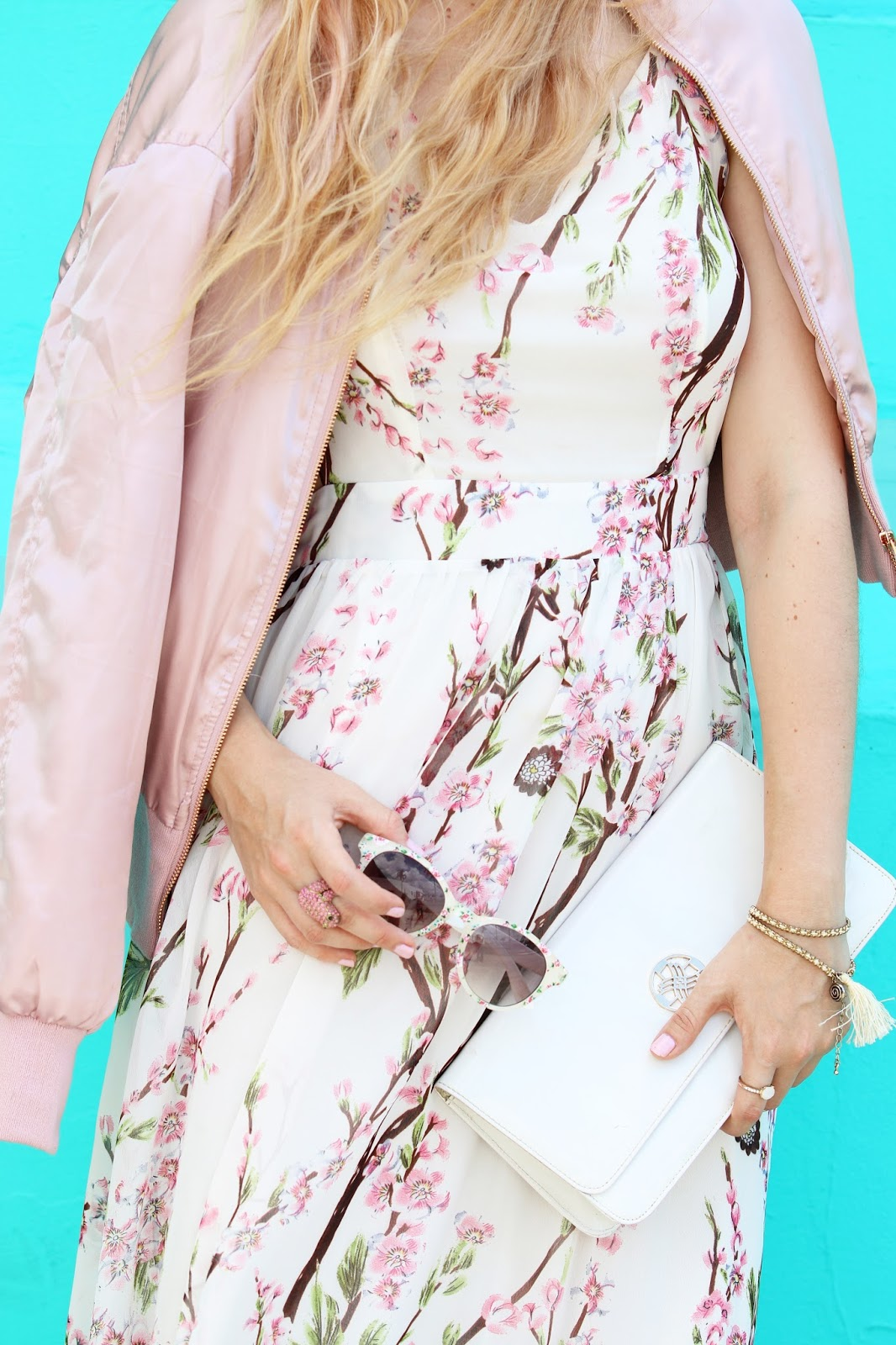Pretty floral outfit for Spring