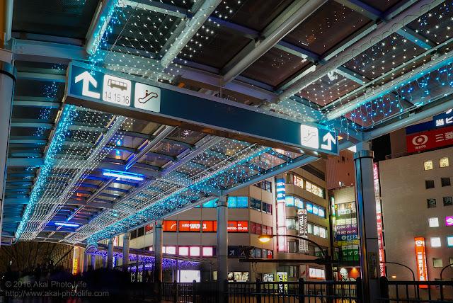 立川駅北口ぺデストリアンデッキ歩道のイルミネーション