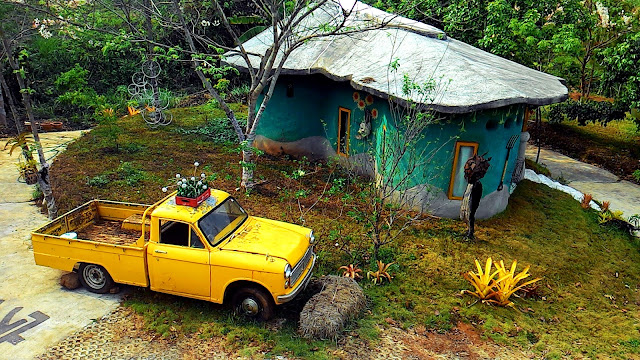 Yellow Truck Jakawan Baandin Chiang Mai