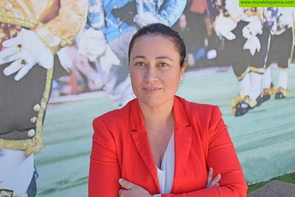 """Carmen Brito: """"La falta de gestión en el Cabildo ha dejado sin ayudas a las asociaciones de vecinos de la isla"""""""