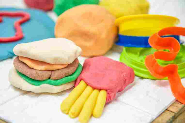 Cara Membuat Playdough Yang Awet, Anti Jamur dan Aman Untuk Anak
