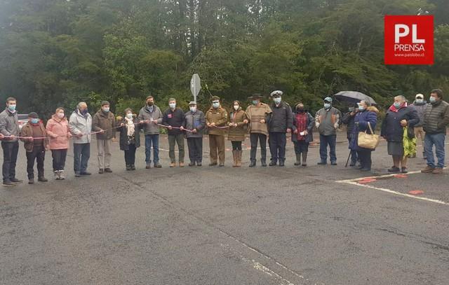 Inauguran tramo de asfalto entre Lago Chapo y Puerto Montt