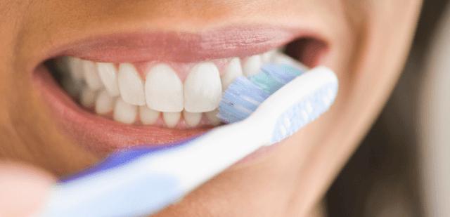 صحة - مخاطر فرشاة الاسنان كبيرة اكبر مما تعتقد