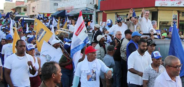 Abinader inicia jornada de apoyo a candidatos municipales y congresuales del PRM y aliados en distintos puntos del país