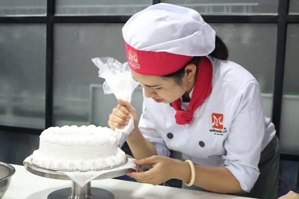 Khởi nghiệp tiệm bánh ngọt cần gì?