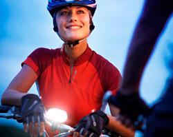 ¡Hazte con una estupenda luz delantera SafeRide de Philips para tu bici!