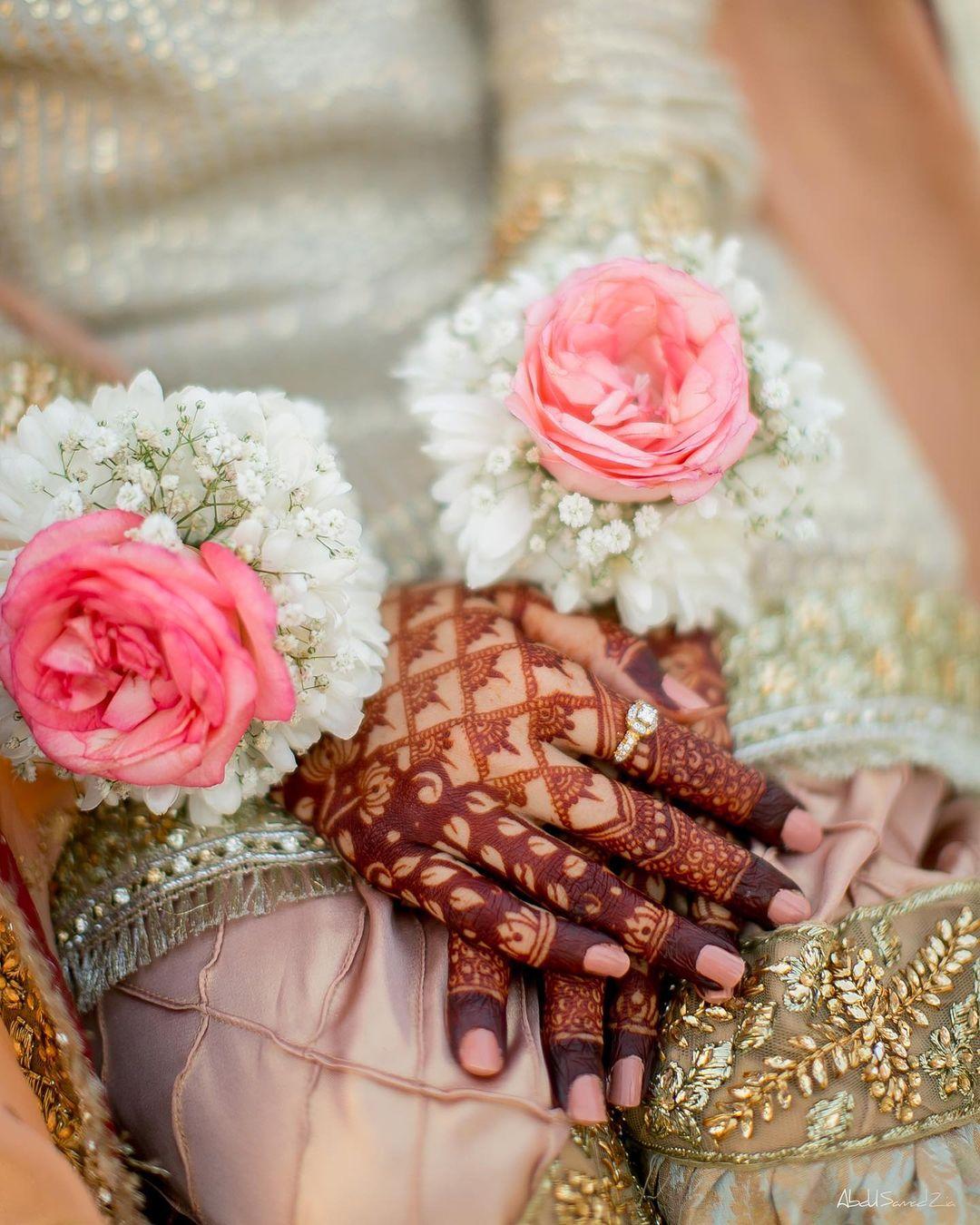Bridal hand dp