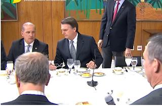 Bolsonaro ataca governador e chama Nordeste de 'Paraíba'