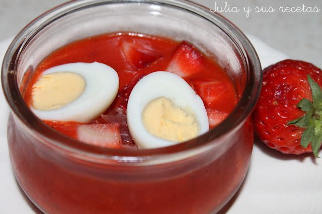 Salmorejo de fresas y pimientos de piquillo. Julia y sus recetas