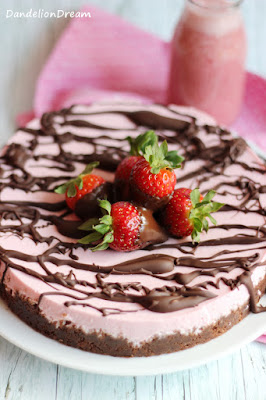 http://dandelion01.blogspot.de/2016/05/no-bake-strawberry-cheesecake-with.html