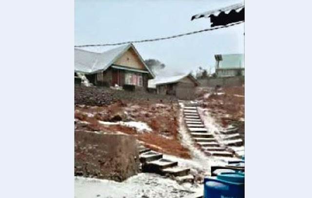 First Snowfall in Sandakphu