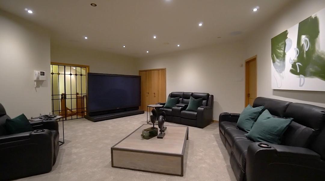35 Interior Design Photos vs.  104 Kauri Point Rd, Laingholm, Auckland Luxury Home Tour