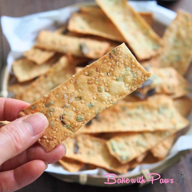 Sourdough Discard Crackers (Murukku Flavour)