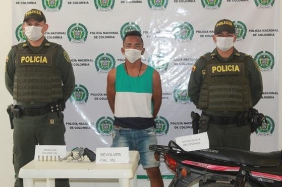 hoyennoticia.com, Pillado en Tres Pelos,  robandose una moto
