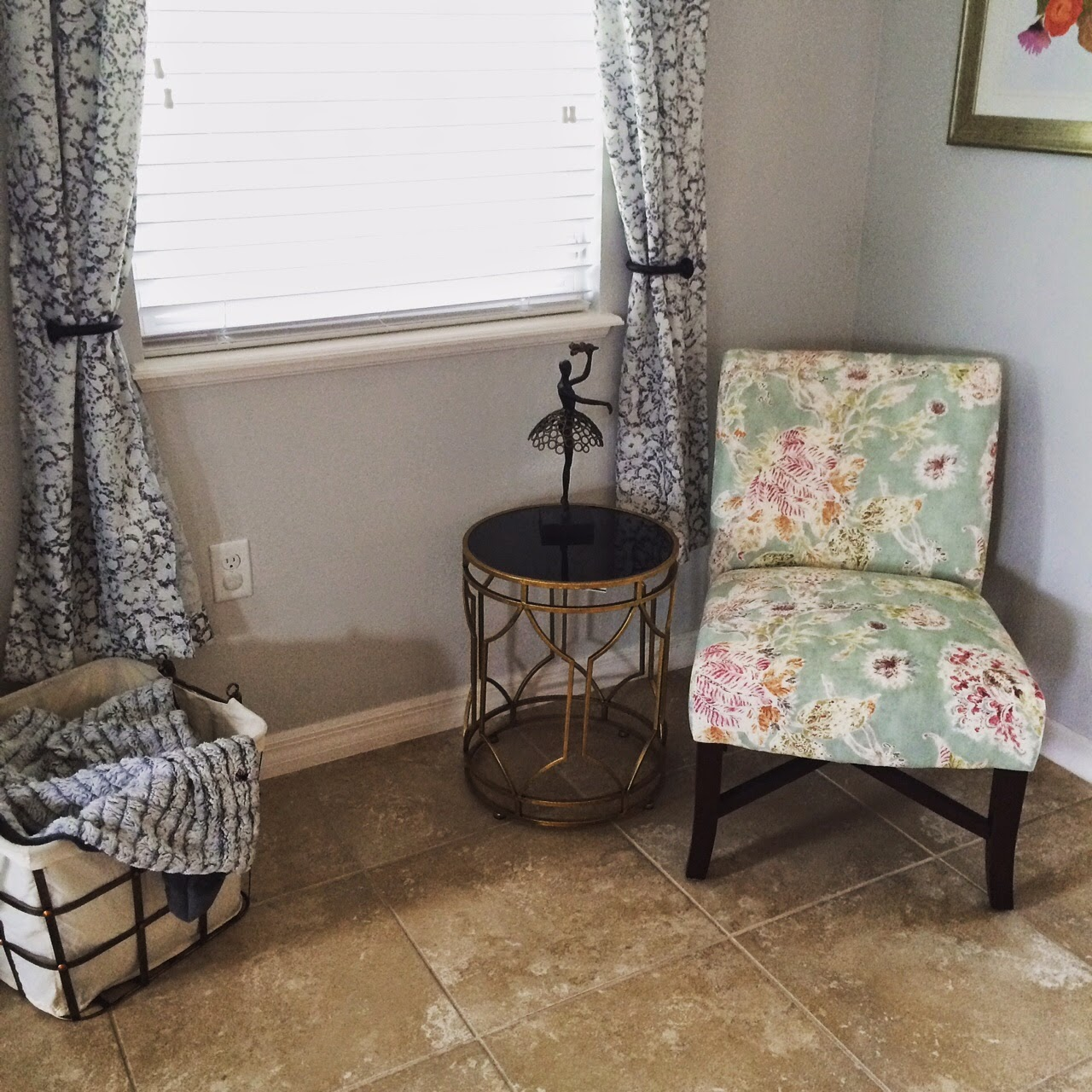 Every Little Penny: Home Decor: Giving An Empty Corner