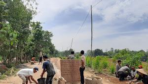 Tolak Galian C, Warga Desa Pancur Tutup Jalan Menuju Lokasi Tambang
