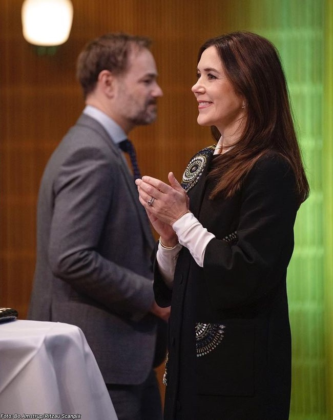 At the opening, the Crown Princess gave a speech,
