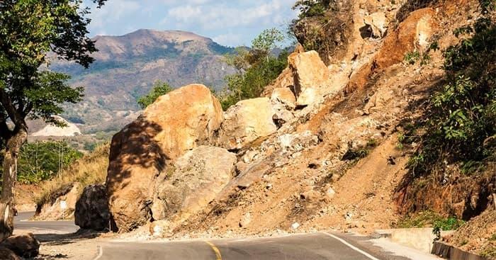 http://inside.gossiplanka.com/2019/06/awareness-about-landslides.html