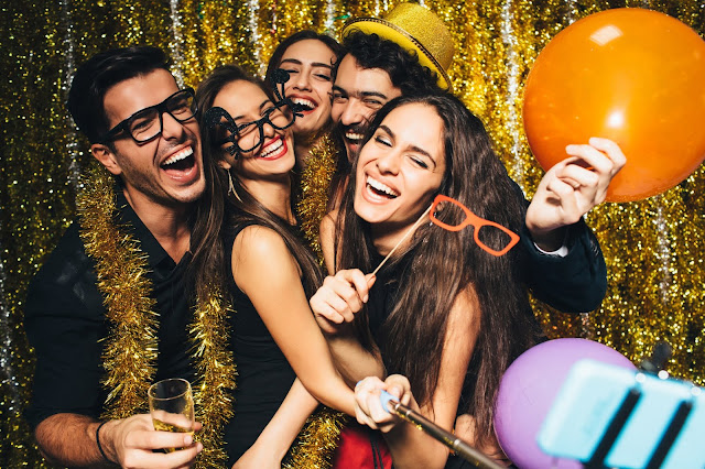 "Holiday Party Do's and Don'ts: Ten Ways to Stay off the ""Naughty List"""