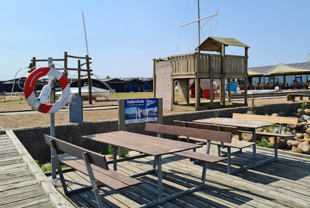 Drei geniale Rast- und Spielplätze auf der Fahrt in den Dänemark-Urlaub nahe der Autobahnen E45 und E20. Auf Küstenkidsunterwegs findet Ihr tolle dänische Rastplätze für entspanntes Reisen und Rasten mit der ganzen Familie!
