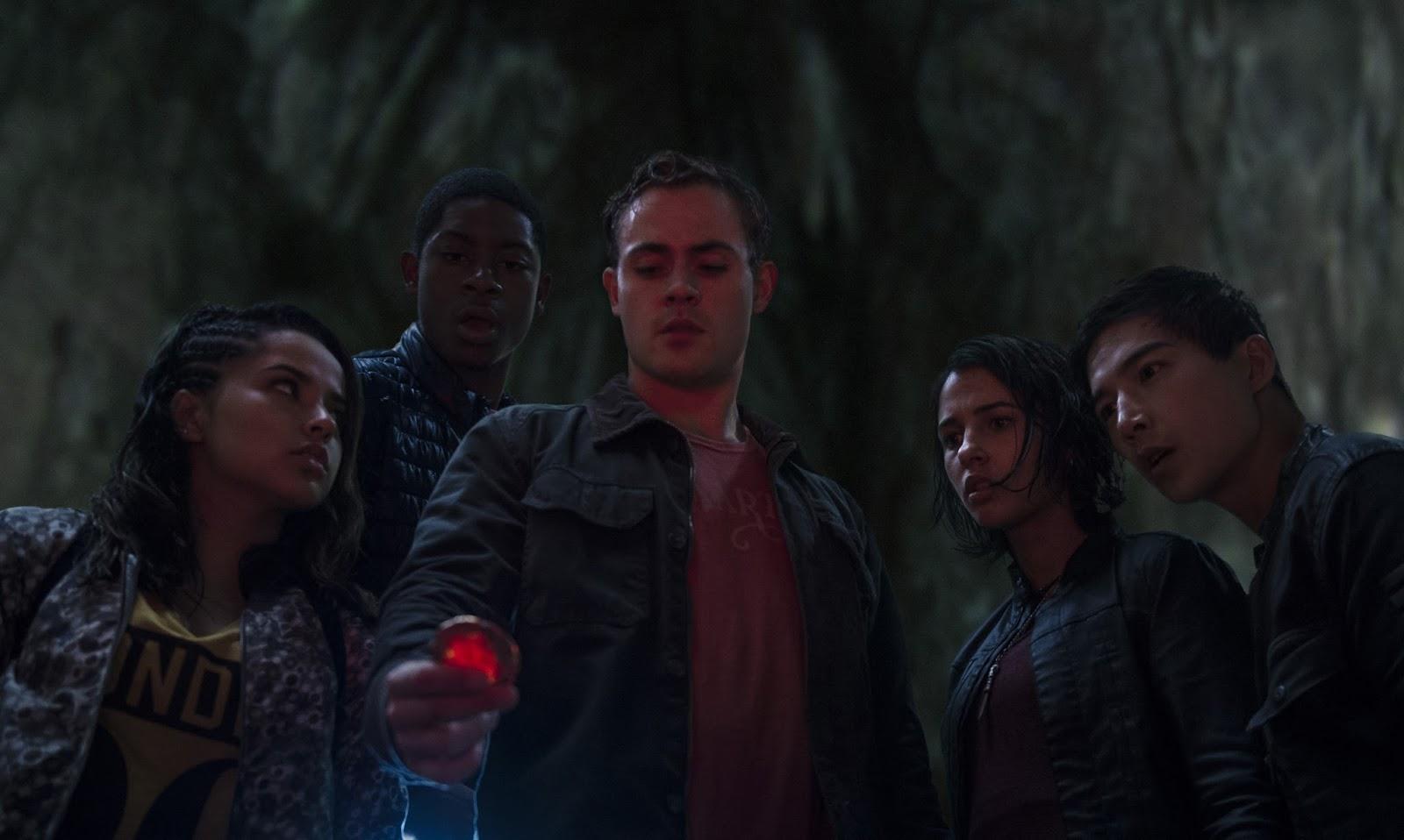 Confira a descrição dos personagens e imagens inéditas de Power Rangers: O Filme