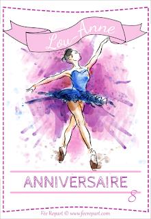 Face avant de la carte d'invitation à un anniversaire avec une ballerine