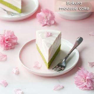 cach-lam-banh-mousse-hoa-anh-dao-Sakura-mousse-cake